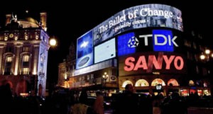 film_ballet_of_change-picadilly_circus